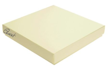 Pudełko na kartkę kwadratową kolor ecru z fakturą - GoatBox